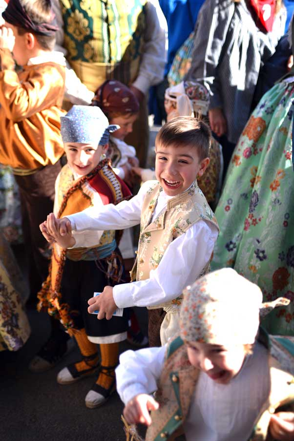 kids dressed up in traditional clothes at falls valencia