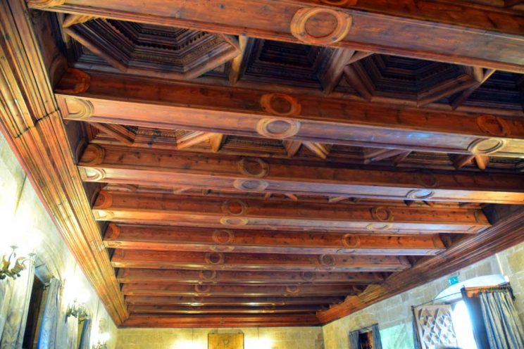 ceiling la lonja contract hall
