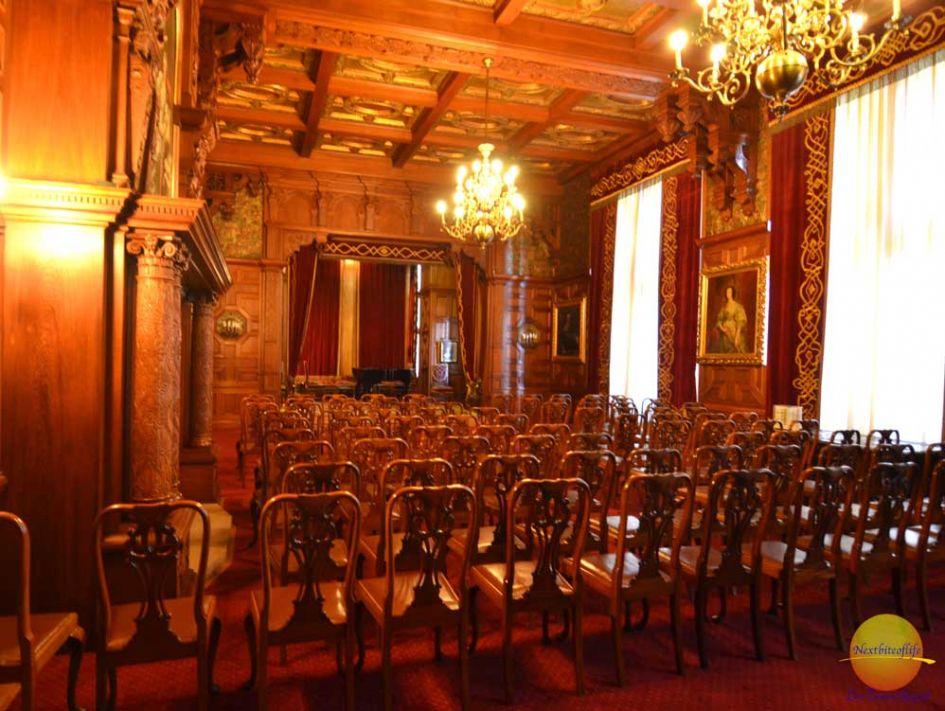 piano room castle