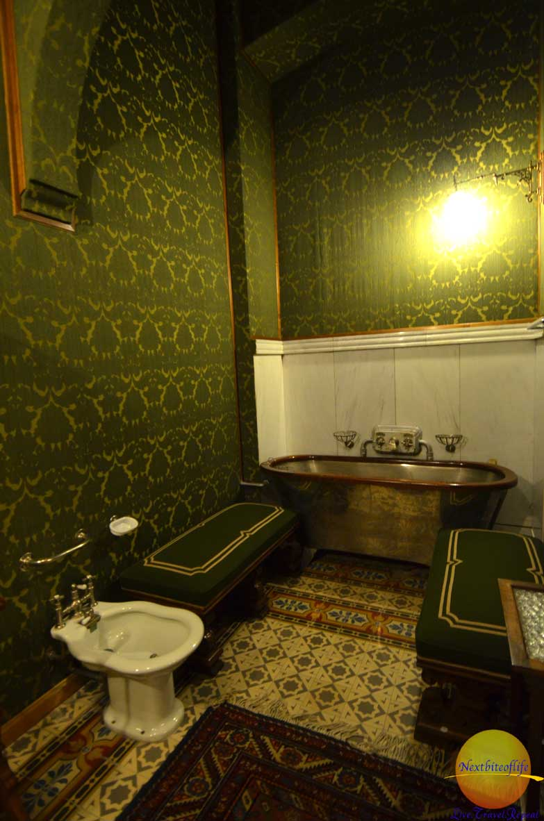 peles castle bathrooms