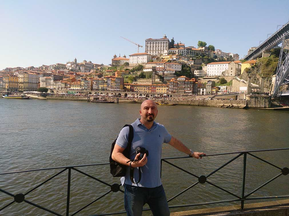 fede in front of douro river
