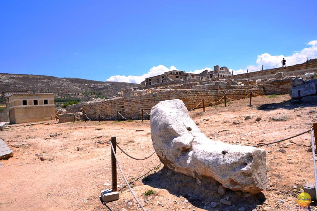 big foot ruins at knossos
