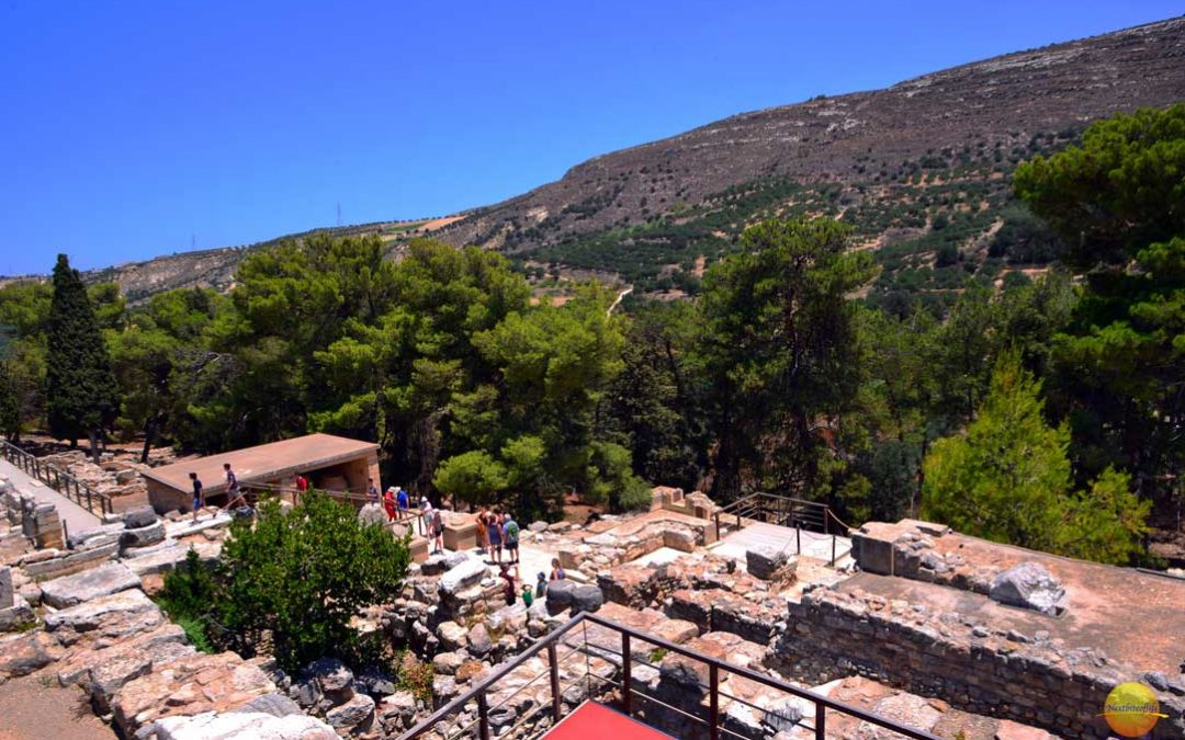 Palace of Knossos Crete Visit ( Ancient Minoan Palace)