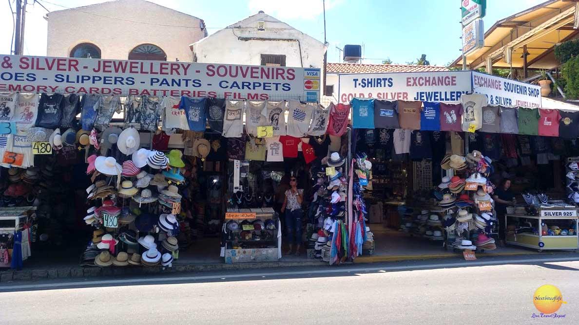 souvenir stores at knossos palace