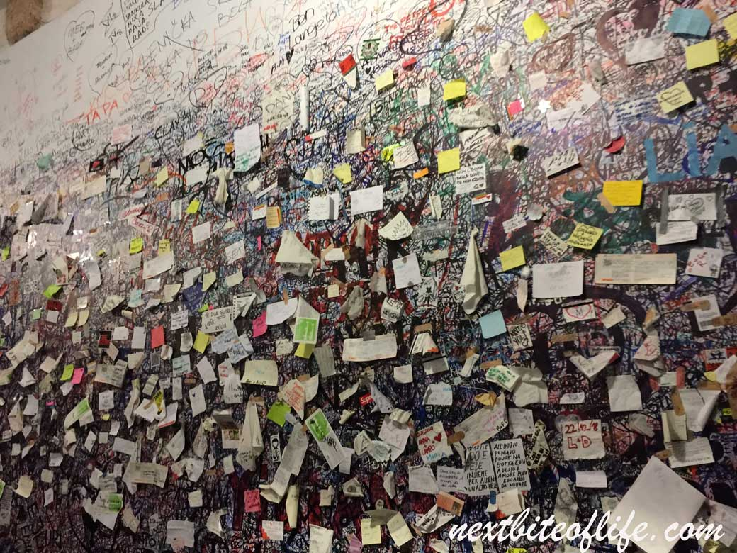 letters to Juliet wall in Verona