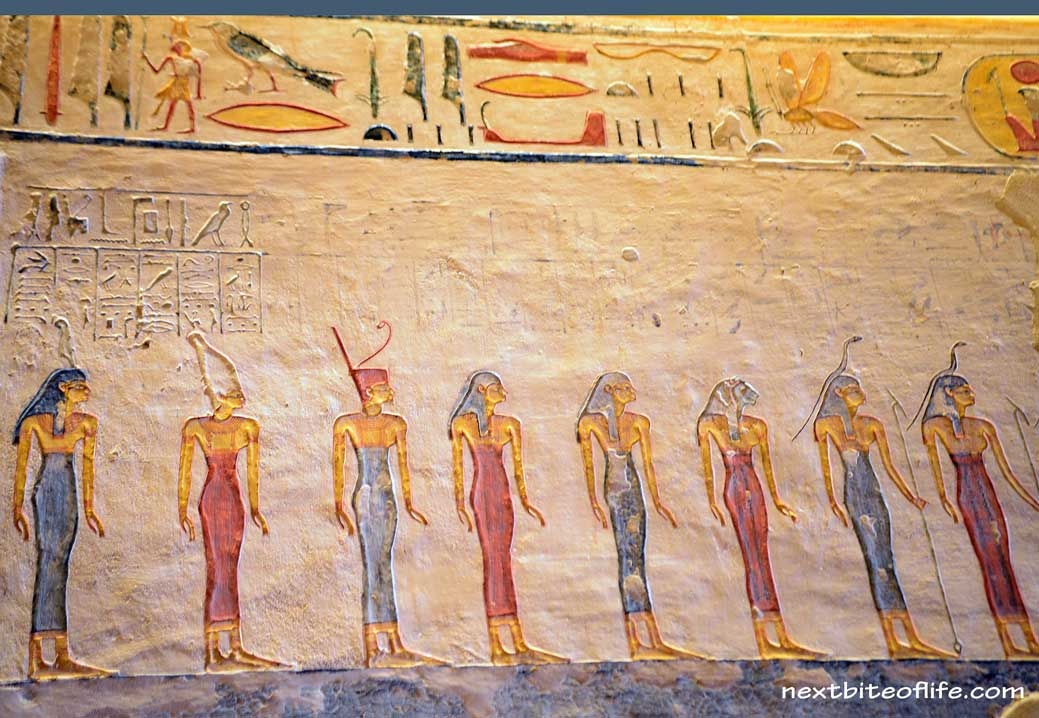 hieroglyphic figures in tombs Luxor