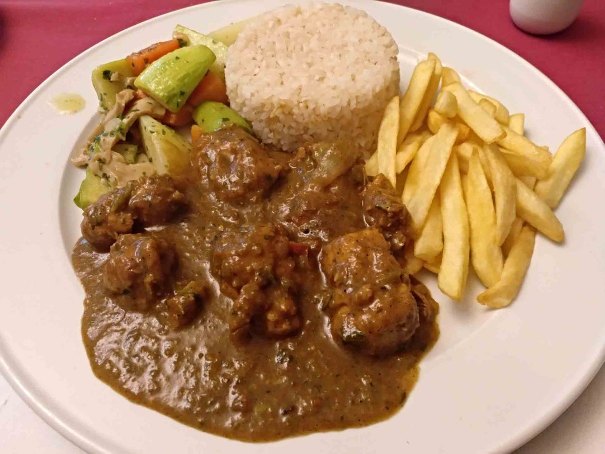 rice and beef stewed meat plate in Luxor