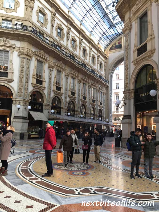 Galleria Vitorio Emanuel II interior Milan