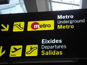 Valencia airport metro sign