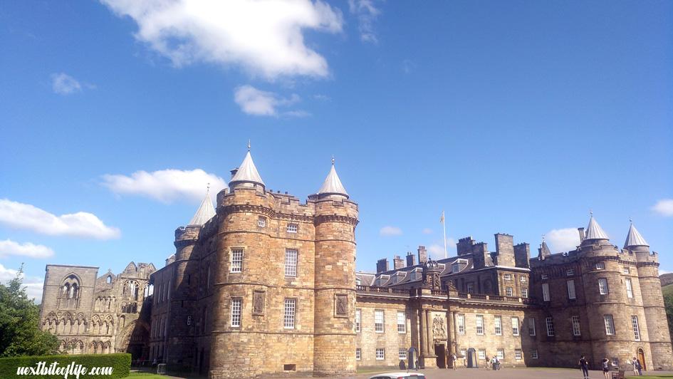 Hollyrood Palace entrance in Weekend in Edinburgh guide