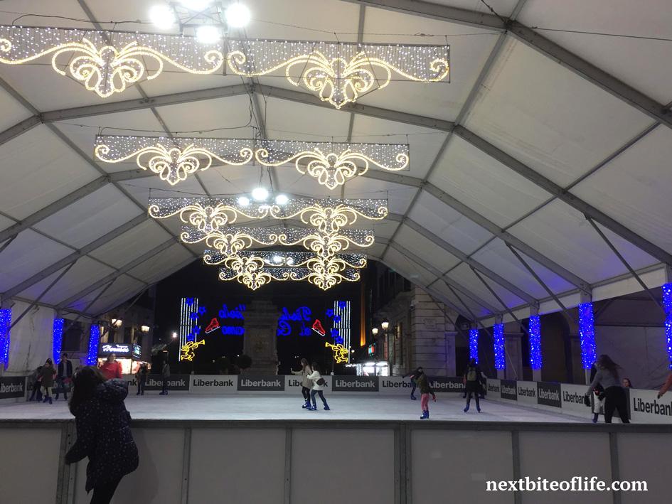 ice skaters at the ayutamento