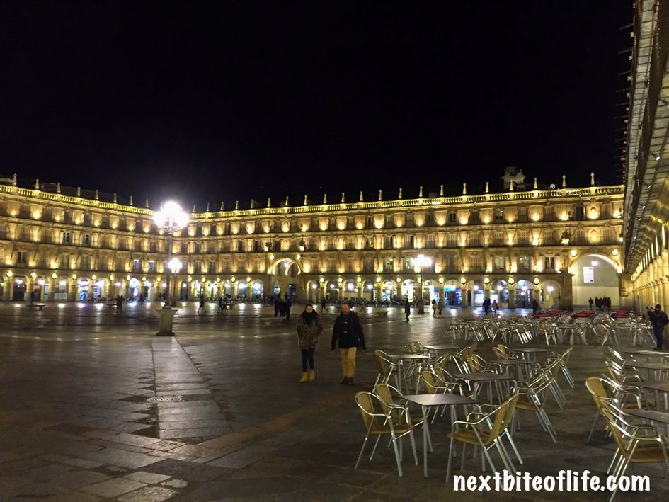 night view of plaza mayor salamanca spain guide