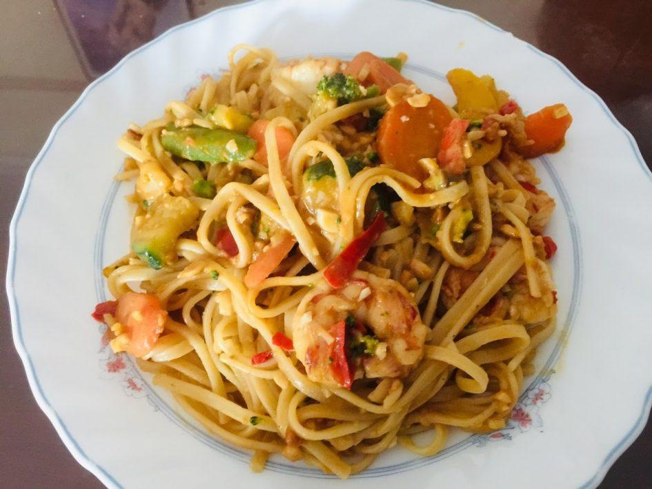 thai shrimp pasta, tales from Spain lockdown